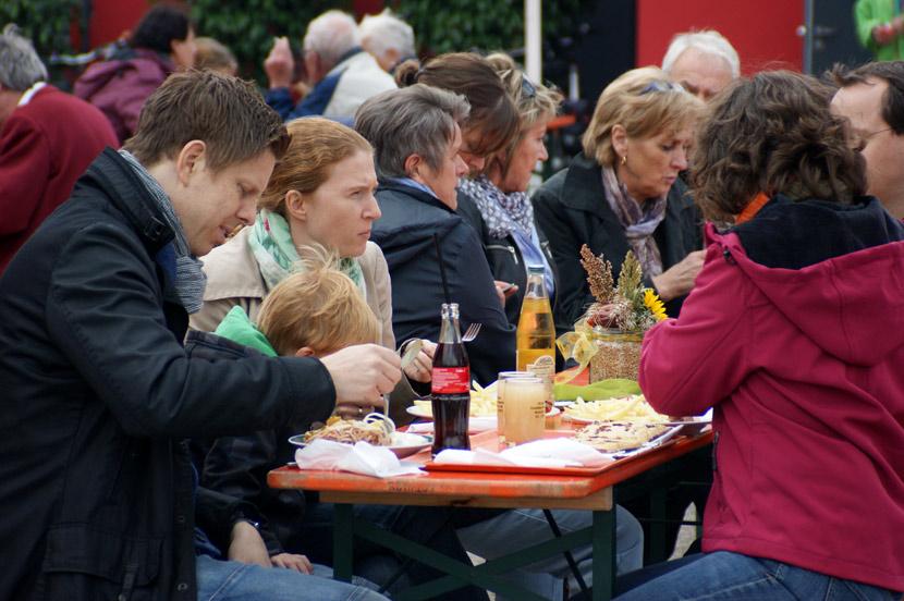 65-Zwiebelkuchenhock-2012-09-30-Fest